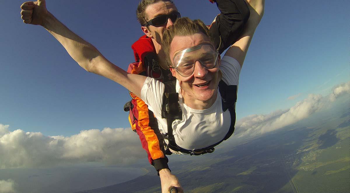 Алексей ГРИЩЕНКО давно хотел прыгнуть с парашютом – и осуществил свою мечту