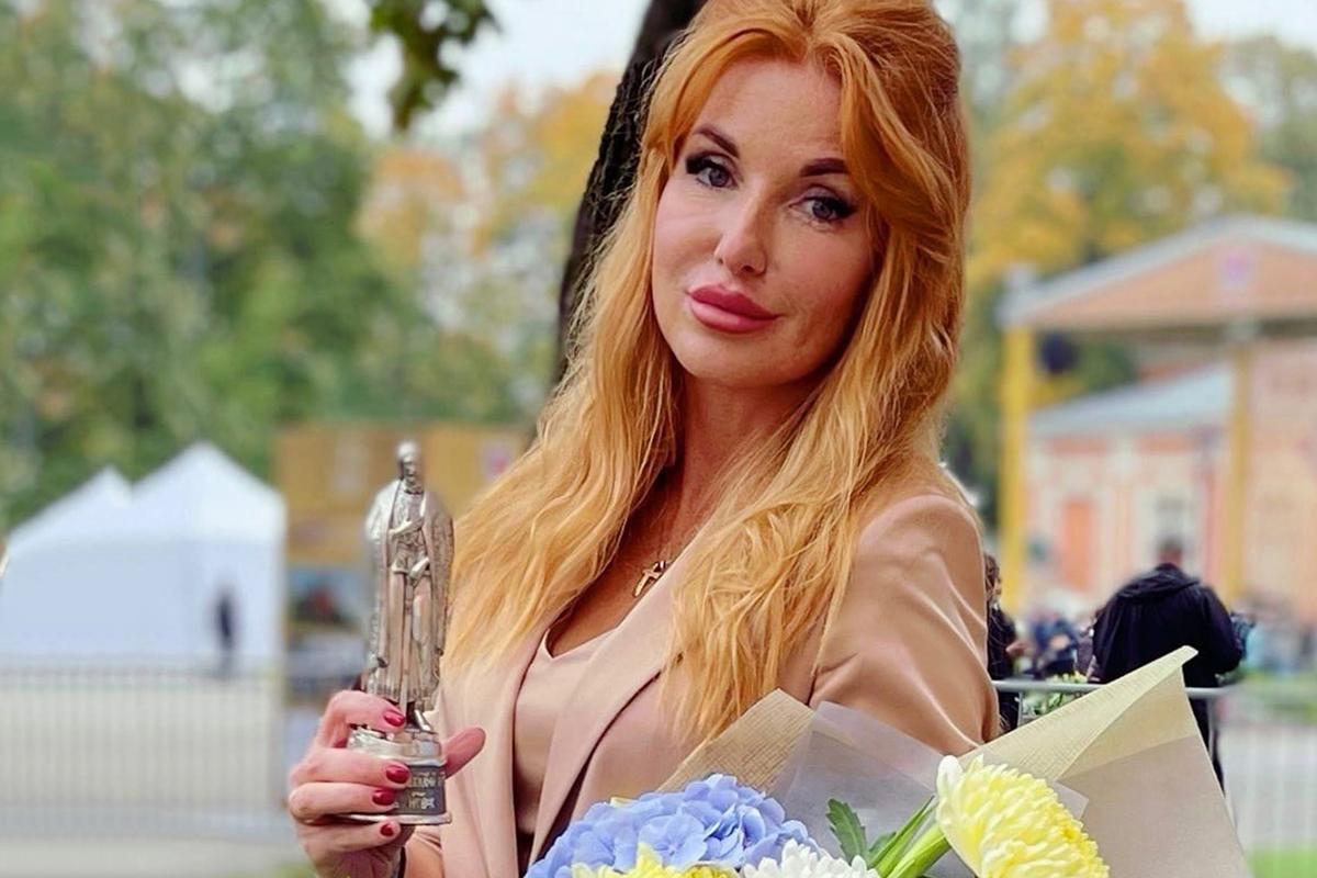 Марианна Юрьевна Дьякова после вручения награды Правительства Санкт-Петербурга