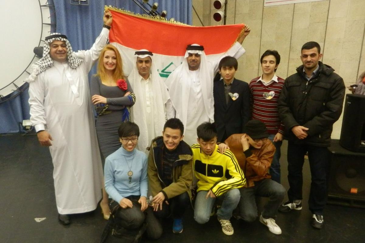 Студенты из Ирака пели песни-посвящения