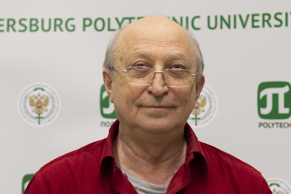 Директор НИК «Нанобиотехнологии» Михаил Ходорковский