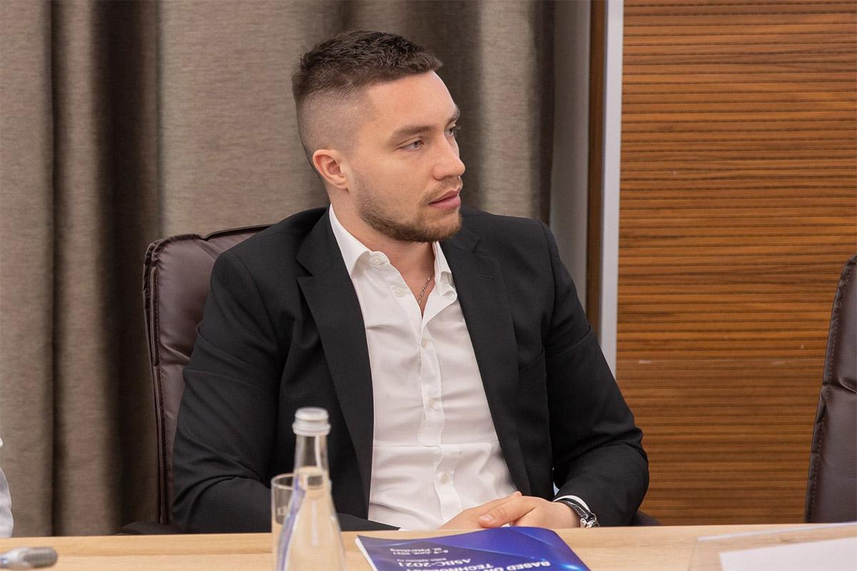 Денис Иванов на конференции