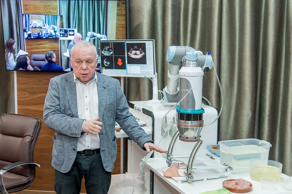 В Политехе продемонстрировали возможности нового аппарата для лечения рака