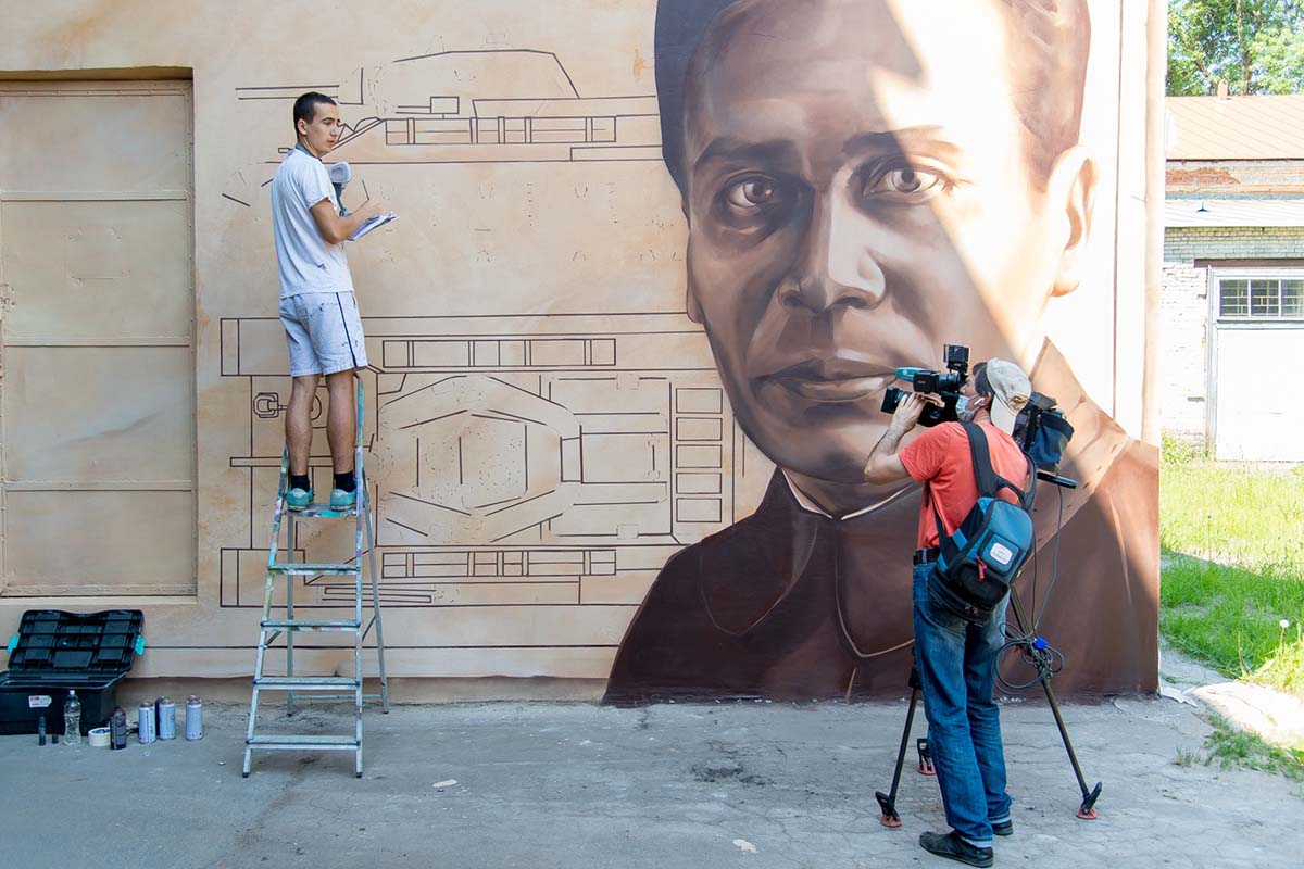 В Политехе появилось граффити с изображением Михаила Кошкина