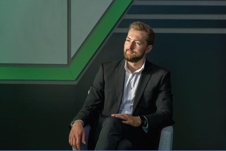 Ведущим телестудии СПбПУ стал выпускник Никита Кулигин