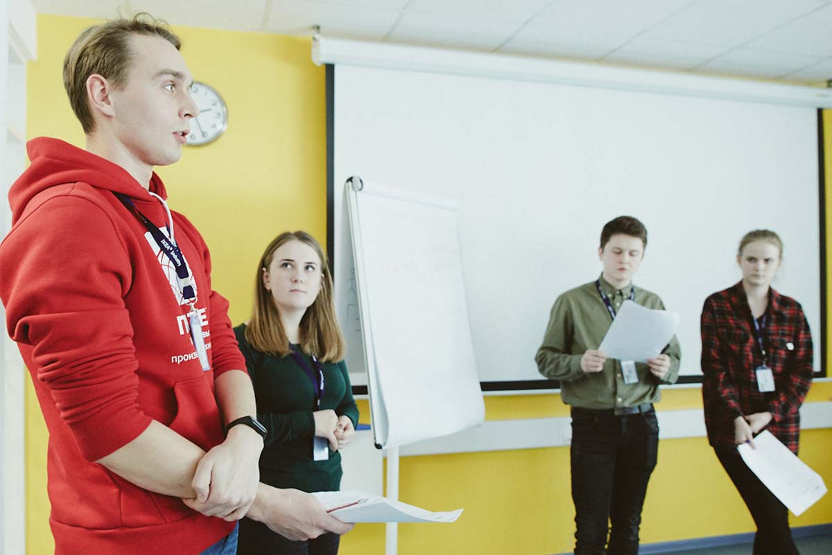 Бакалавриат Владимир заканчивал в Институте прикладной математики и механики, а магистратуру – уже в Институте передовых производственных технологий