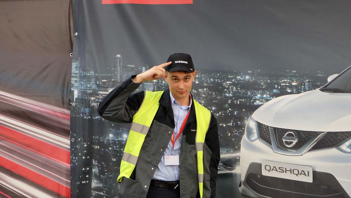 Во время учебы Владимир целое лето стажировался в техническом центре компании Nissan на позиции конструктора