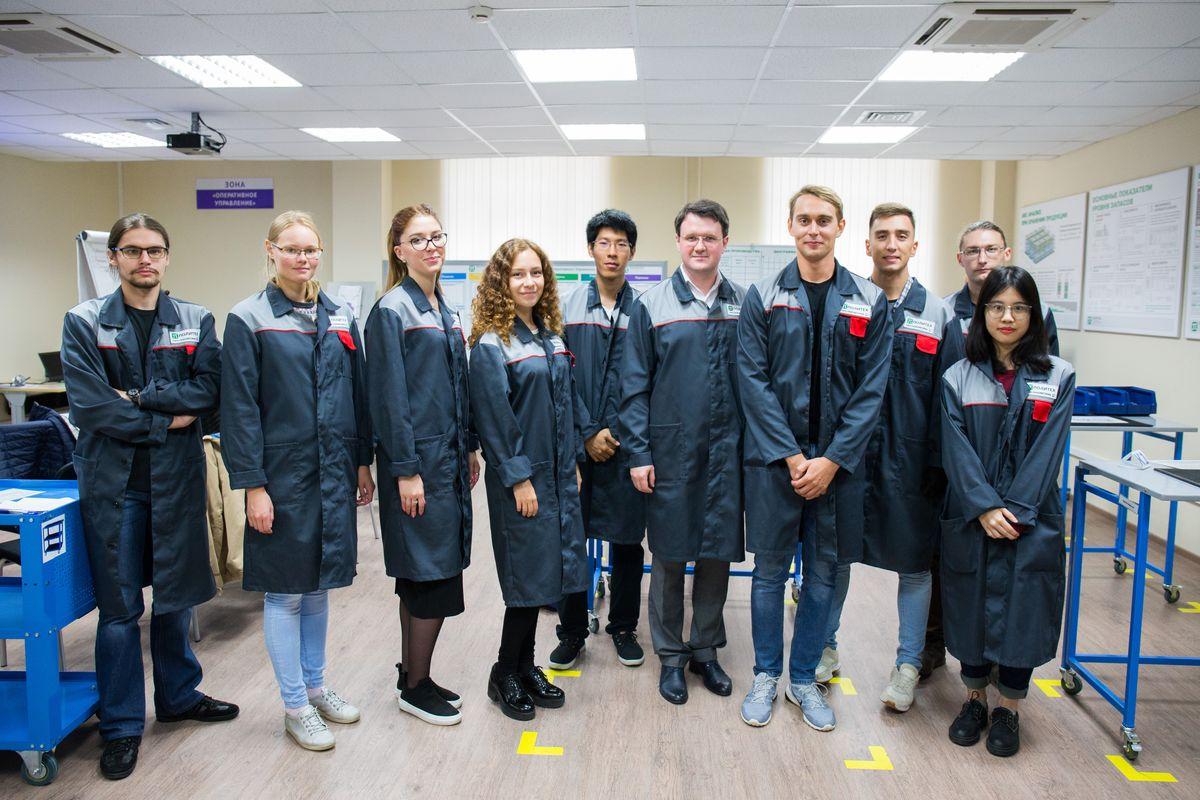 Чтобы заниматься научными исследованиями, Владимир поступил в аспирантуру