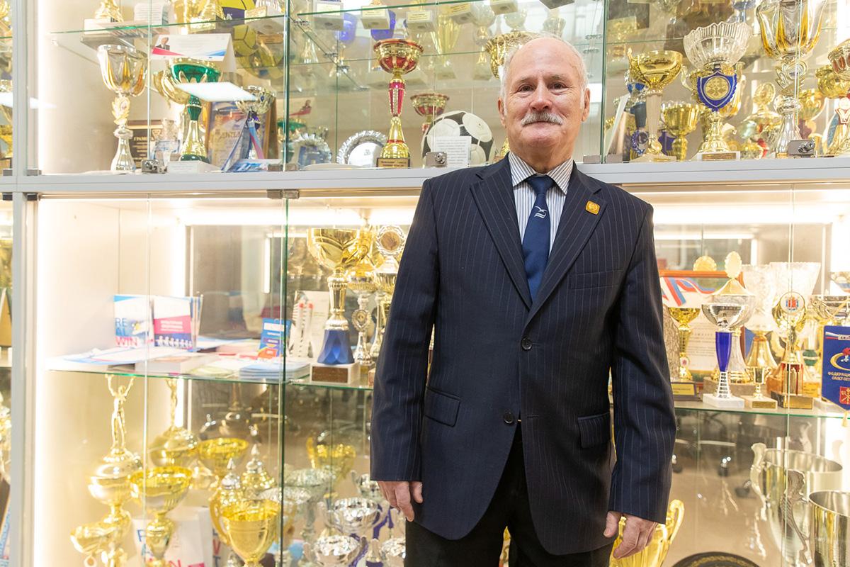 Николай Михайлович Зверев работает в Политехническом университете больше 50 лет