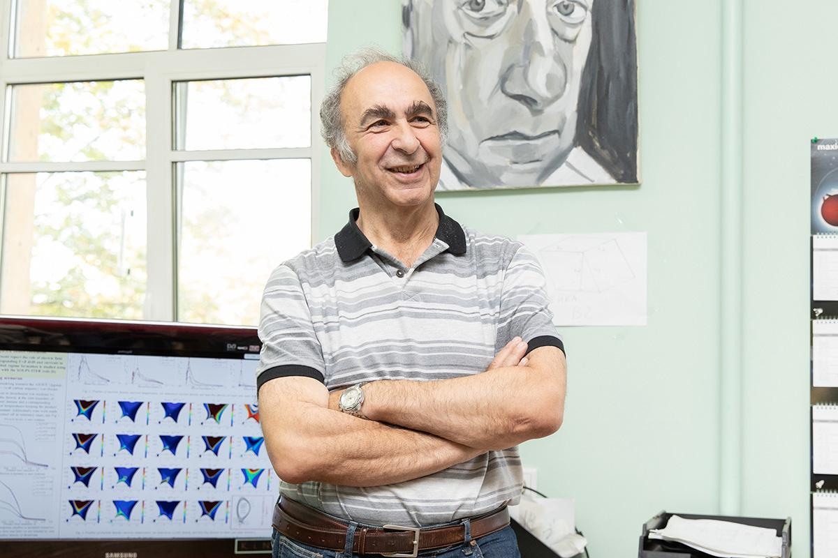 Первым героем спецпроекта стал В.А. Рожанский, который стоял у истоков развития физики плазмы в Политехе