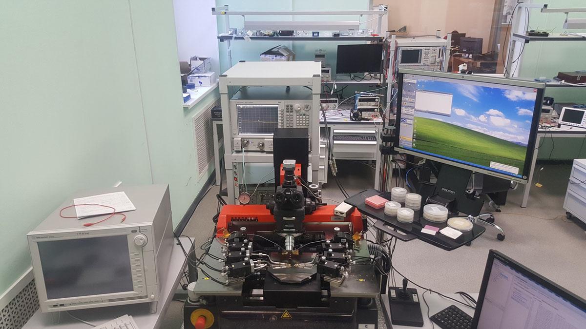 Измерительная установка СВЧ параметров на основе зондовой станции Cascade Michrotech РА200